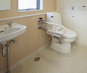 サービス付高齢者施設のトイレ手洗い